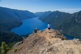 ellen-atop-mt-storm-king-olympic-national-park